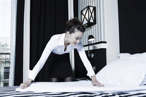 the housekeeperz how to keep a valuable housekeeper lifeworx nanny