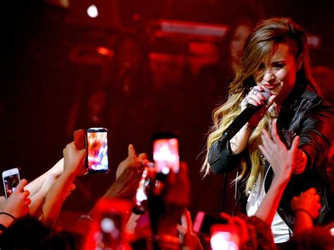 demi lovato skyscraper original recording ℓov t 162 for v r demi lovato come 231 a turn 234 no brasil