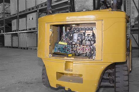 Forklift Mechanic by Electric Forklift Repair Services Duons Australia Duons
