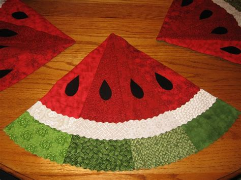 Placemats Watermelon For Summer I Have A Round Table This Would | placemat sewing pinterest