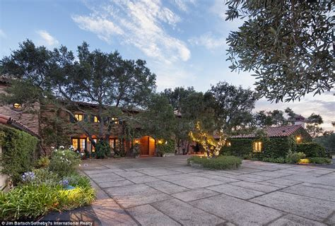 jeff bridges home jeff bridges lists his montecito villa for 29 5million