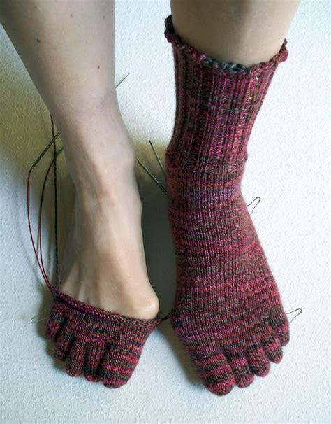 Knitting Pattern Toe Socks | blog 171 jcbriar knitting