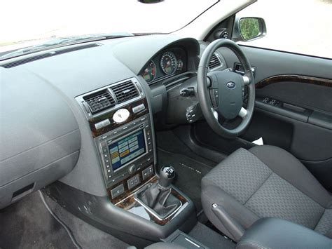 ford mondeo hatchback   features equipment