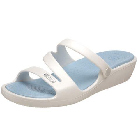 discount crocs sandals discount sandals reviews save crocs s sandal