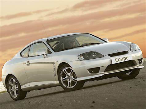hyundai coupe tiburon specs photos 2004 2005 2006 2007 autoevolution hyundai coupe tiburon specs 2004 2005 2006 2007 autoevolution