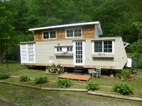 tiny house with slide out i thought this was an ordinary trailer but when i turned
