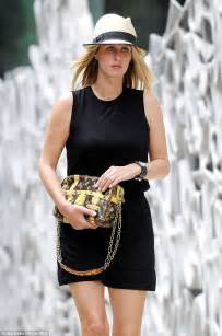Nicky Hiltons Louis Vuitton Bag by Nicky Flashes A Glimpse At Engagement Ring