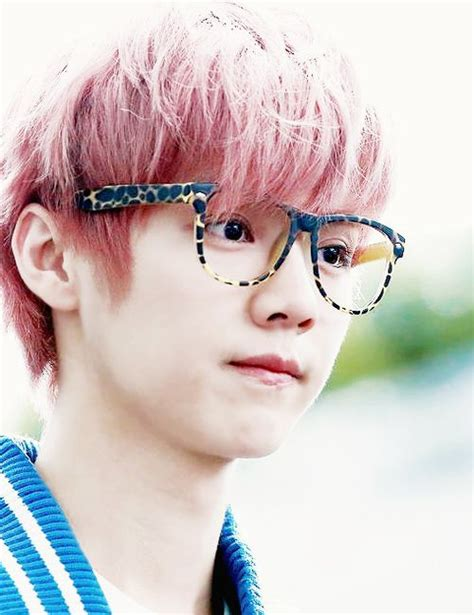 pink luhan exo luhan pink hair and glasses it s just too much soo