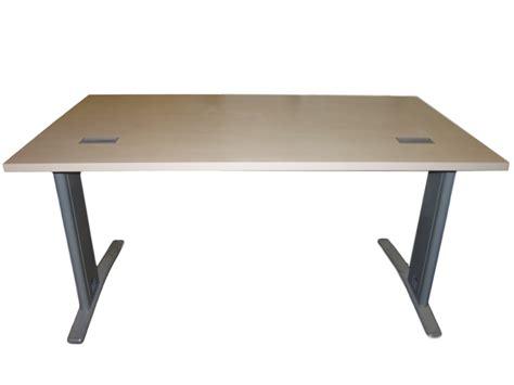 mobilier de bureau d occasion bureau bois clair occasion 140x80 adopte un bureau