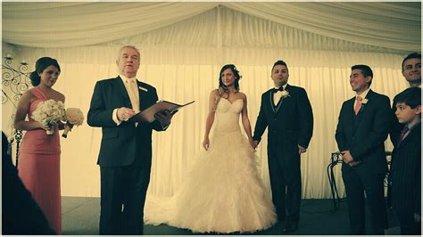 Wedding Ceremony Without Officiant by How Much Do Wedding Officiants Cost Gurmanizer