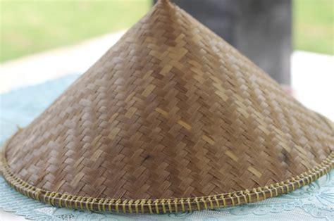 Topi Caping Bambu Dudukuy Unik busanamuslim inilah 15 topi khas yang unik dari seluruh