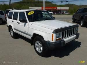 white 2001 jeep sport 4x4 exterior photo