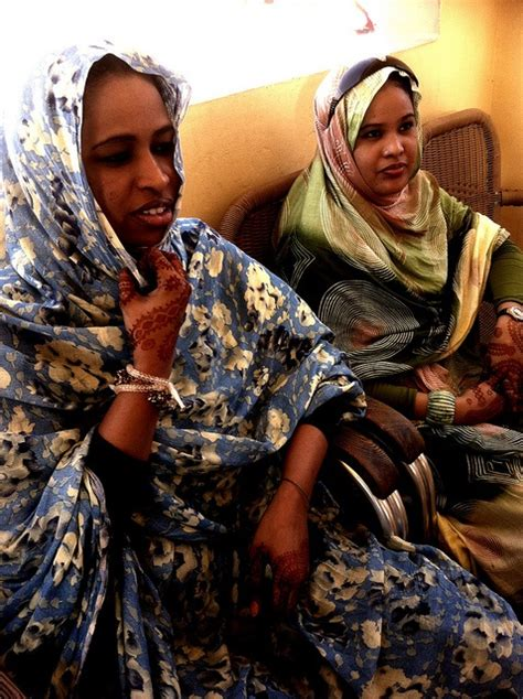 mauritania women with henna tattoos inchiri hennas