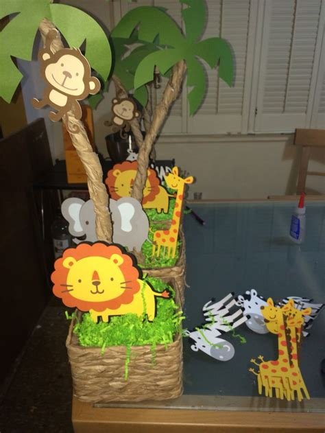 Safari Jungle Baby Shower Decorations by Best 25 Safari Centerpieces Ideas On Diy