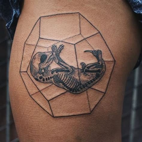 cute small thigh tattoos black ink thigh of small lizard tattooimages biz