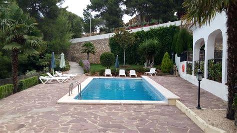 imagenes jardines con piscina mantenimiento de jardines y piscinas ideas mantenimiento