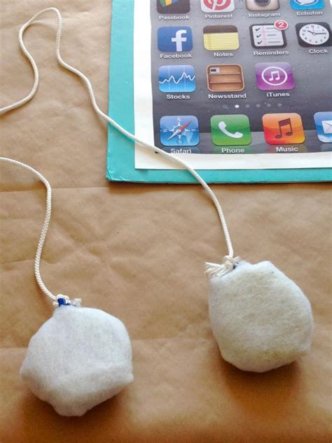 Spooky Ipod Costumes by How To Make A Diy Smartphone Costume For