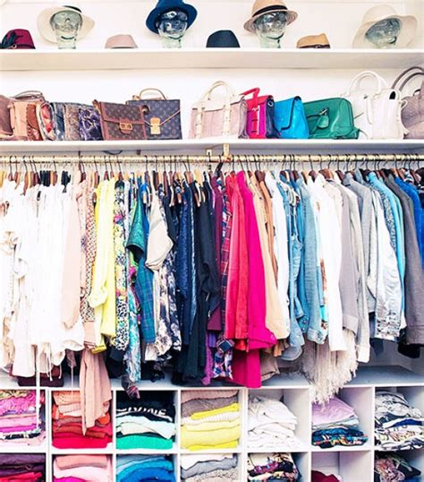Organizing Shirts In Closet by 25 Life Changing Ways To Organize Your Purses Closetful