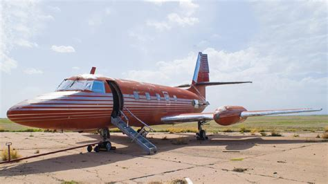 elvis presley s custom private jet can be yours for 19 43