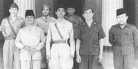 biografi jenderal soedirman bahasa jawa kisah jenderal soedirman memimpin perang gerilya di atas