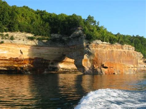 pictured rocks national lakeshore related keywords