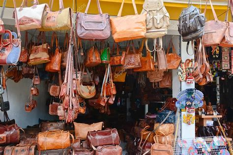 Handcrafted Goods - sri lankan traditional handcrafted goods for sale in a