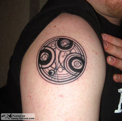 gallifreyan tattoo of the time lord seal geeky tattoos