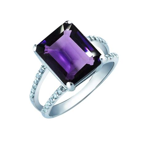 gorgeous women s ring with emerald cut amethyst and white cz