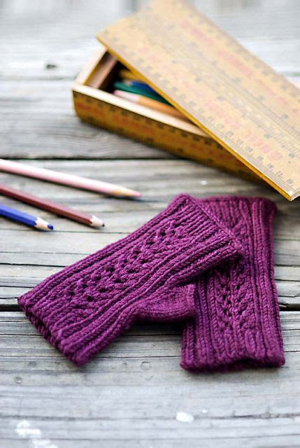 Benih Biji Violet Cables Chili 1696 best images about knitted wrist warmers on free pattern cable and knit patterns