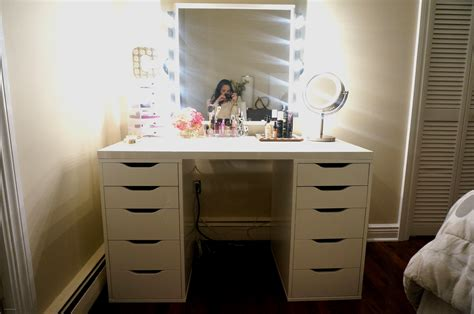 Best Lighting For Bedroom Vanity by Best Light Up Makeup Mirror Beautiful Bedrooms Bedroom