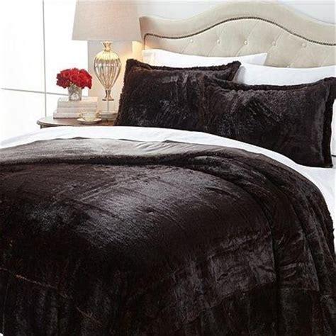 black fur comforter 1000 ideas about fur comforter on pinterest comforters