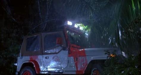 jurassic world jeep scene jeep wrangler staff vehicles park pedia jurassic park