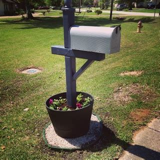1000 ideas about mailbox garden on mailbox