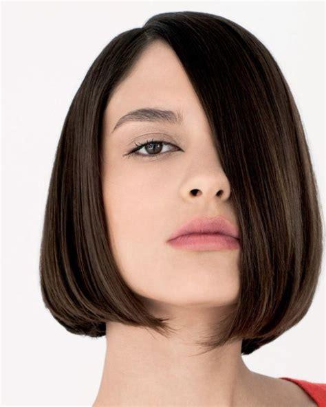 model potongan rambut wanita kurus  terlihat gemuk