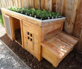 Enclosed Cat Bed Herb Garden Coop Plans Up To 4 Chickens From My Pet Chicken