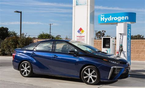 how do hydrogen fuel cells work in cars how free engine