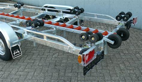 boottrailers deurne freewheel 3514 gt met kielrol baan