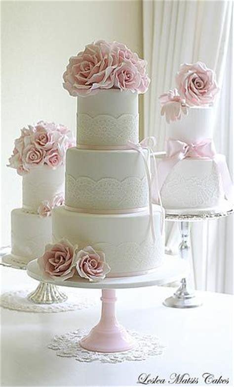 Hochzeitstorte Altrosa by Hochzeitstorten Rosa Und Spitze Hochzeitstorte