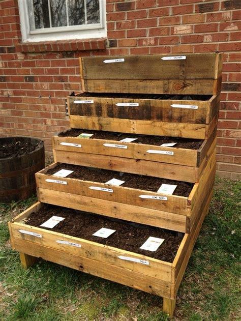 Pallet Herb Garden   101 Pallets