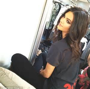 layout twitter kendall jenner did kendall jenner buy twitter followers daily mail online
