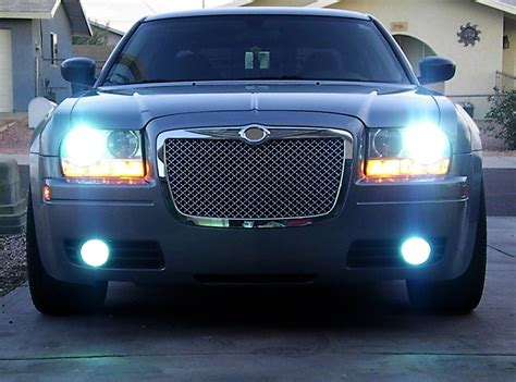 Hid Lights For Chrysler 300 by Installed Fog Lights For My Base With Hid S Pics