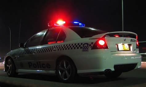 police car flashing lights cop car lights www imgkid com the image kid has it