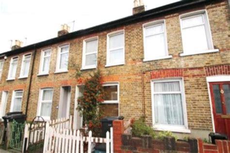 2 bedroom house to rent in croydon terraced to rent 2 bedrooms terraced cr0 property