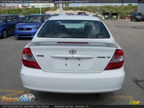 2002 Toyota Camry Se 2002 Toyota Camry Se White Charcoal Photo 4