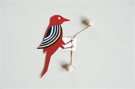 mover imagenes latex paper woodpecker toy on a rubber band printouts and