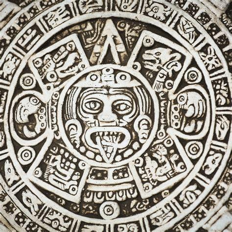 Calendario Azteca Signos Zodiacales Descubre Tu Signo En El Zodiaco Azteca Wemystic
