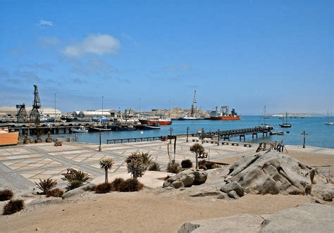 boat cruise cape town to namibia l 252 deritz accommodation and activities namibia safaris