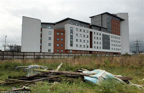 Mba Housing De Montfort by Football Grounds Then And Now From Highbury To Roker