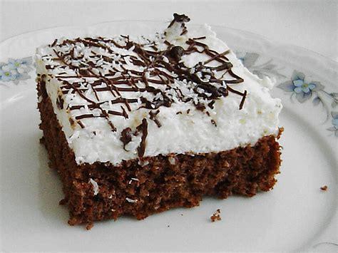 kokos schoko kuchen blech schoko joghurt sahne kokos kuchen rezept mit bild