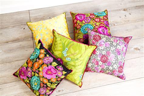 cuscini giganti da interno mobili colorati nuance fluo e tinte pastello dalani e